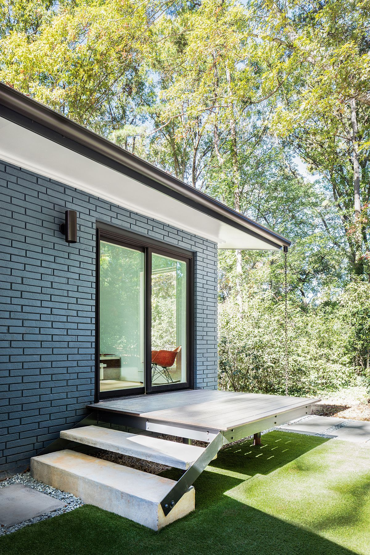 A Mid-Century Modern Recreation: Ocotea House Renovation in ...