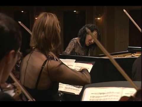 Mitsuko Uchida performs Mozart's Piano Concerto #20- Romanze