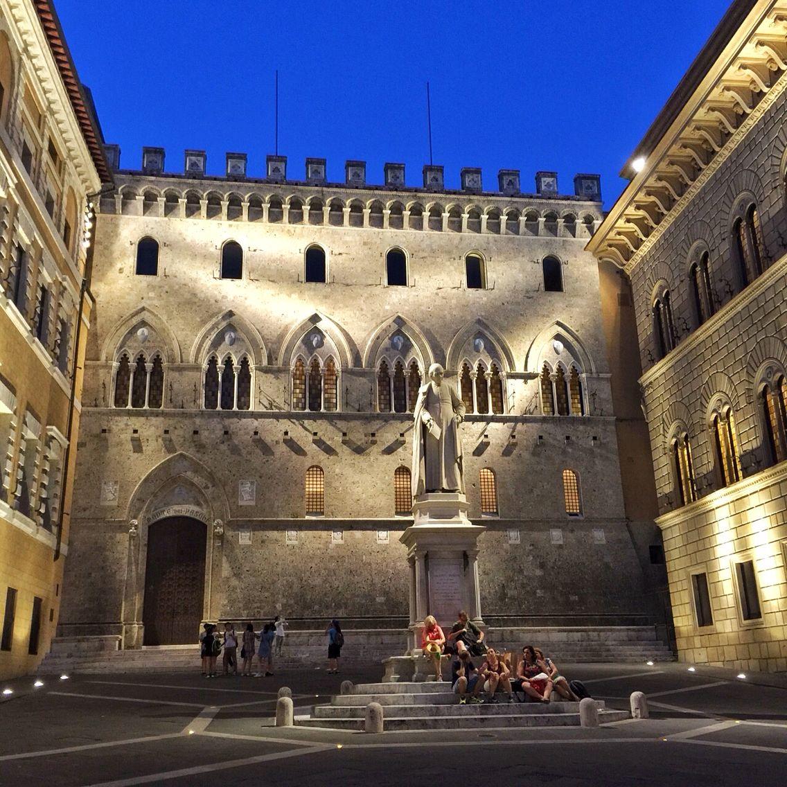 Palazzo Salimbeni o Rocca Salimbeni o Castellare Salimbeni ...