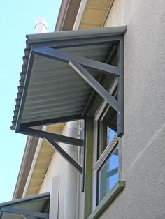 Aluminium Awnings Brisbane Traditional House Design Aluminium Products Awnings Brisbane Shading Devi Toldos De Aluminio Techo De Patio Techos Para Puertas