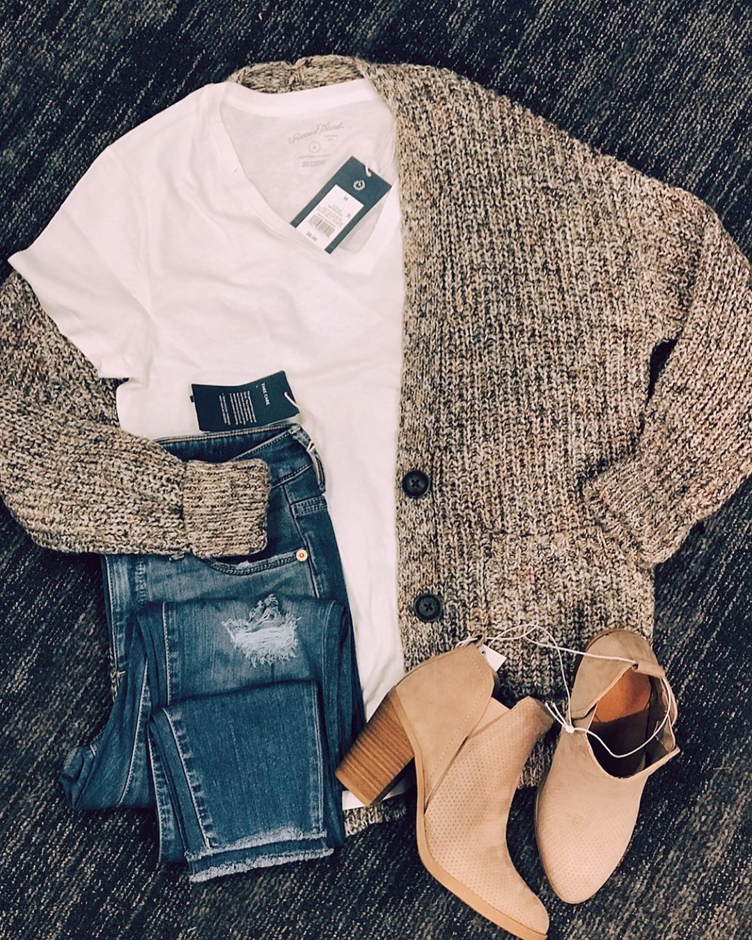 ugg outfit cute winter Image by </p>         </div>          <!--eof Product description -->      <!--bof Reviews button and count-->      <div class=