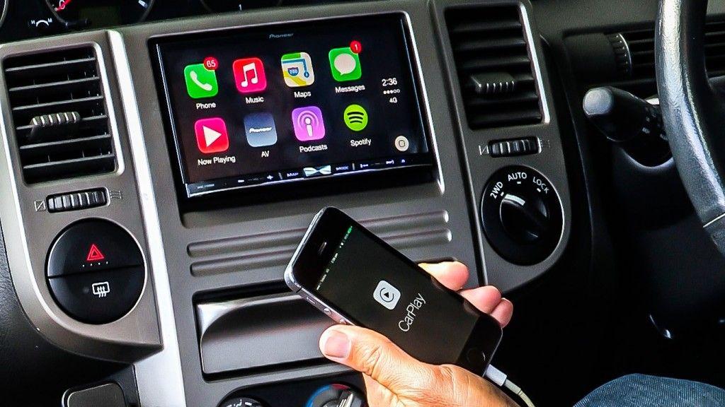 الرئيس التنفيذي لشركة فيات كرايسلر سيارة أبل فكرة مريضة عالم التقنية Carplay Volvo Language Websites