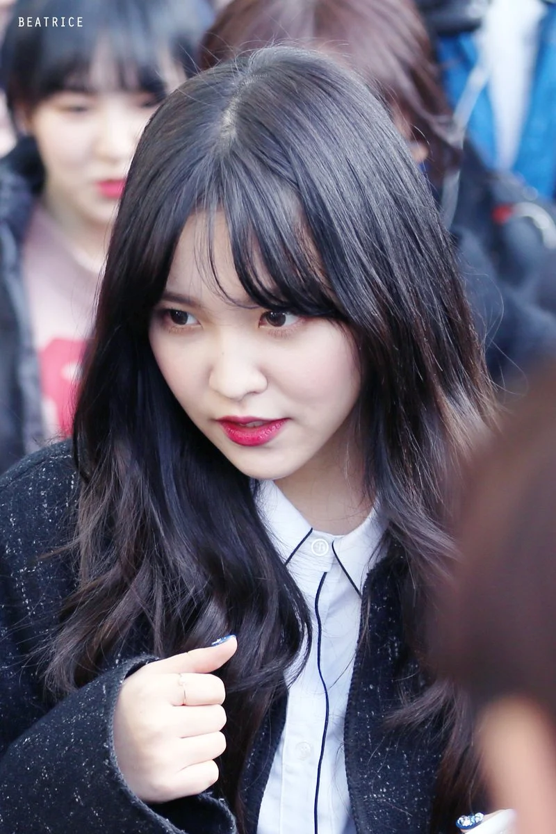 15 Female Idols Who Look So Flawless With Bangs You Might Want To Try Them Too Koreaboo Red Velvet Female Bangs