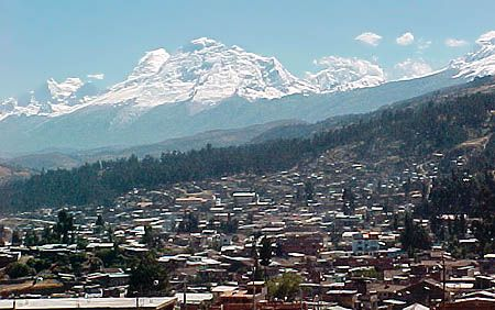 Huaraz is surrounded by huge mountains.