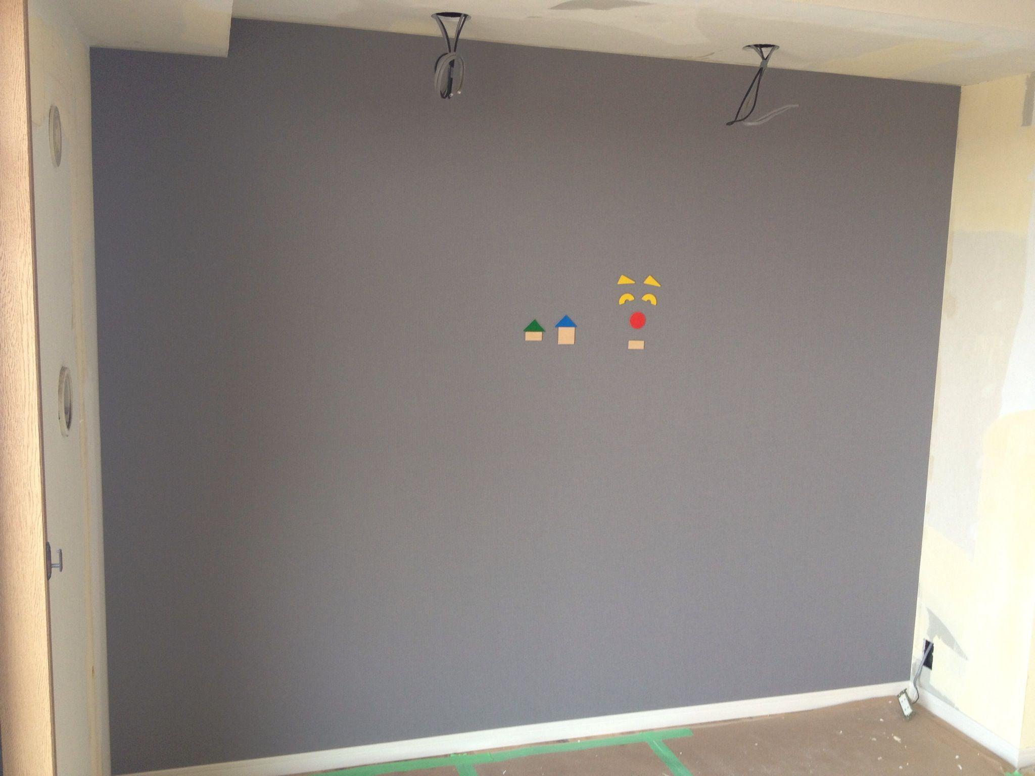 マグネットの壁 マグネットシート貼りの上にクロス仕上げ Lohas