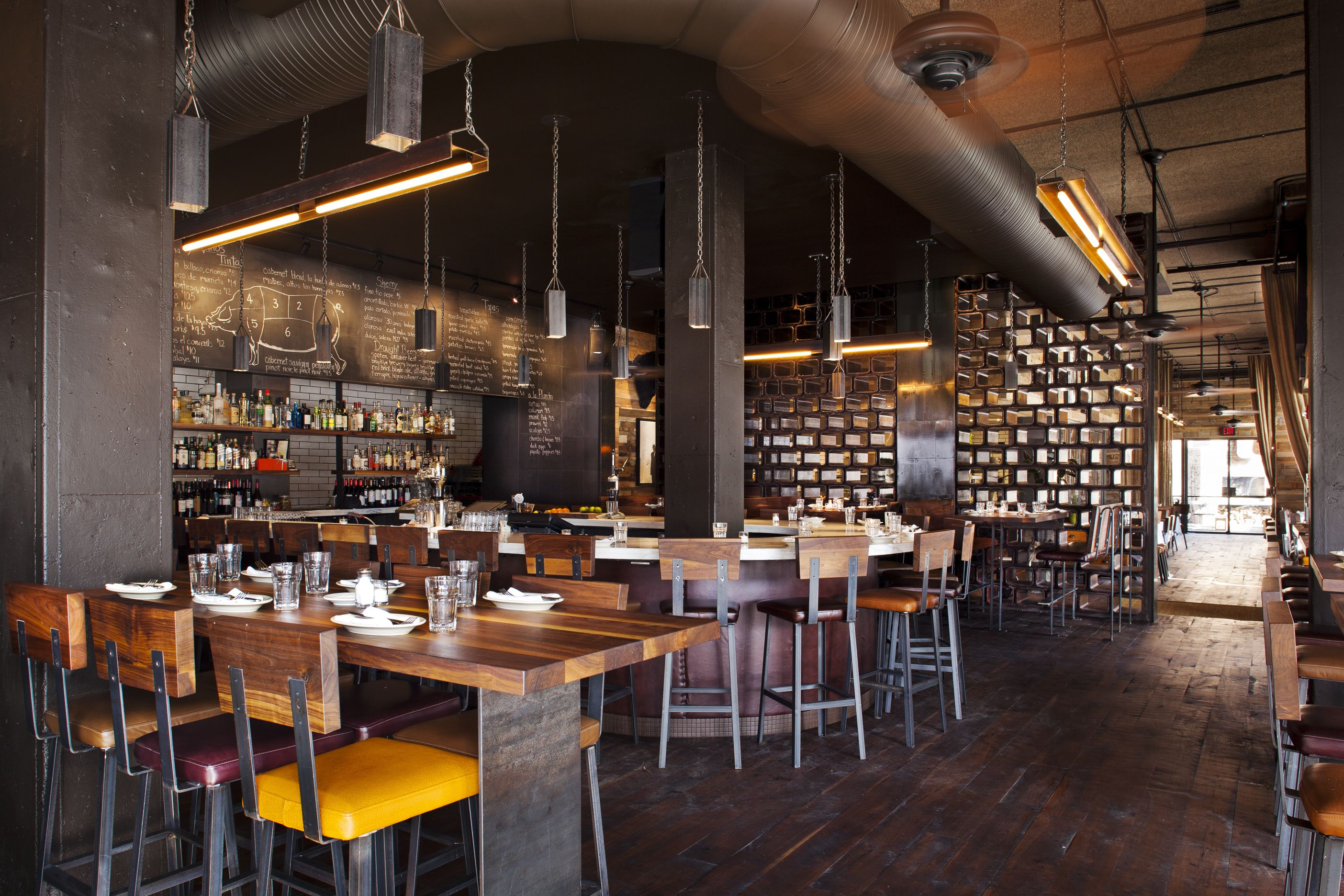Barcelona Inman Park In Atlanta Photo By Jeffherrphoto Com Diseno Del Restaurante Interiores Comerciales Decoracion Restaurantes