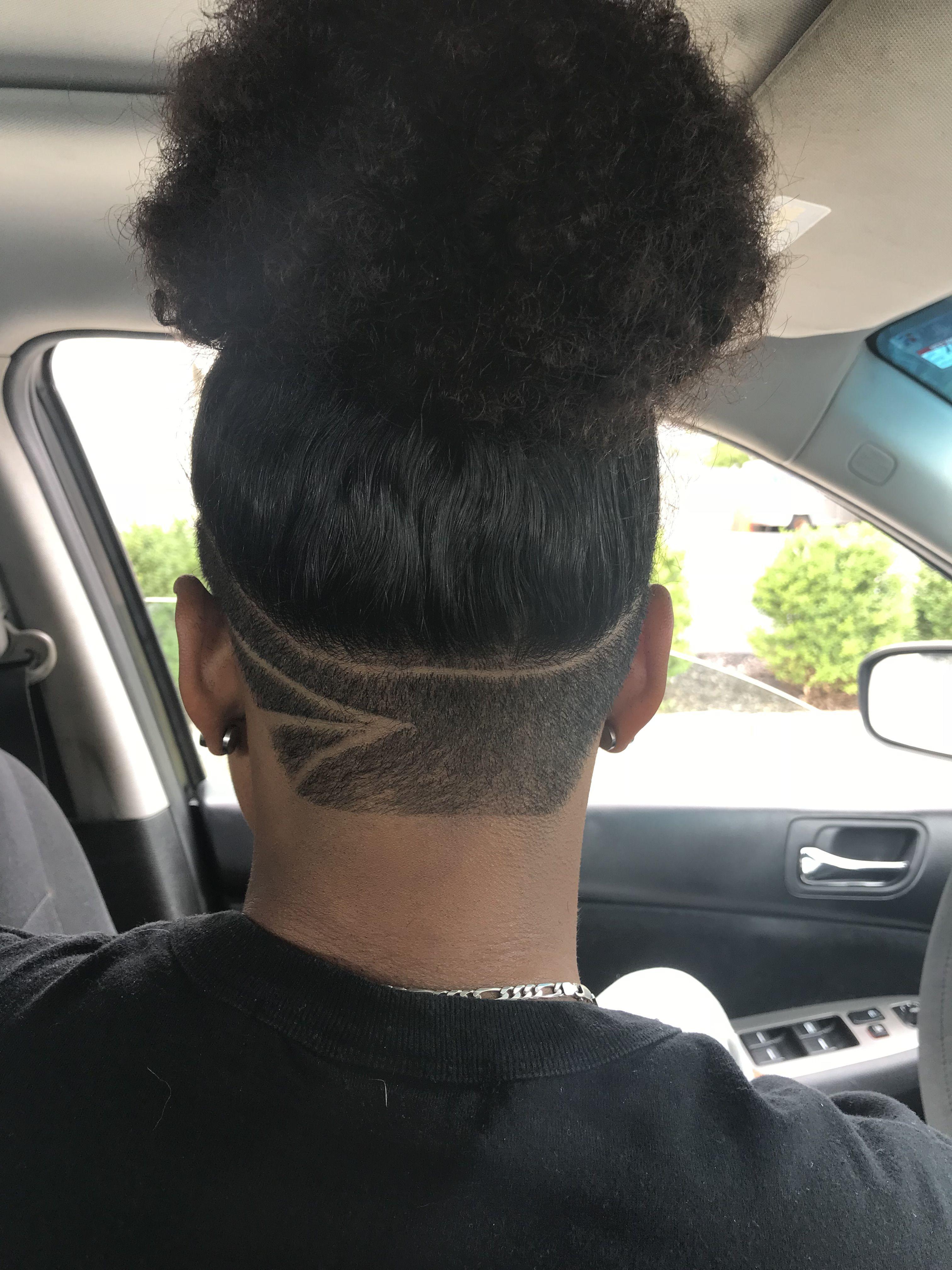 Undercut design, 3 lines design, curly hair