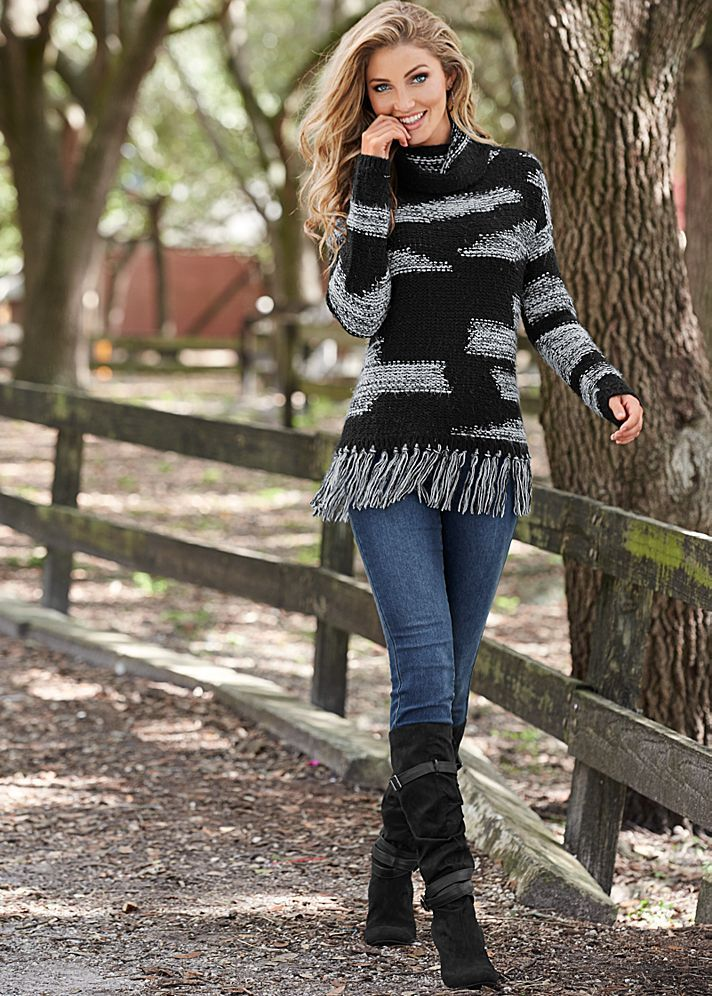 COLOR SKINNY JEANS, CONTRASTED FRINGE SWEATER, SLOUCHY LAYERED STRAP BOOT