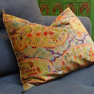 coussin caravane coussin et plaid pinterest coussin caravane caravane et motif tissu. Black Bedroom Furniture Sets. Home Design Ideas