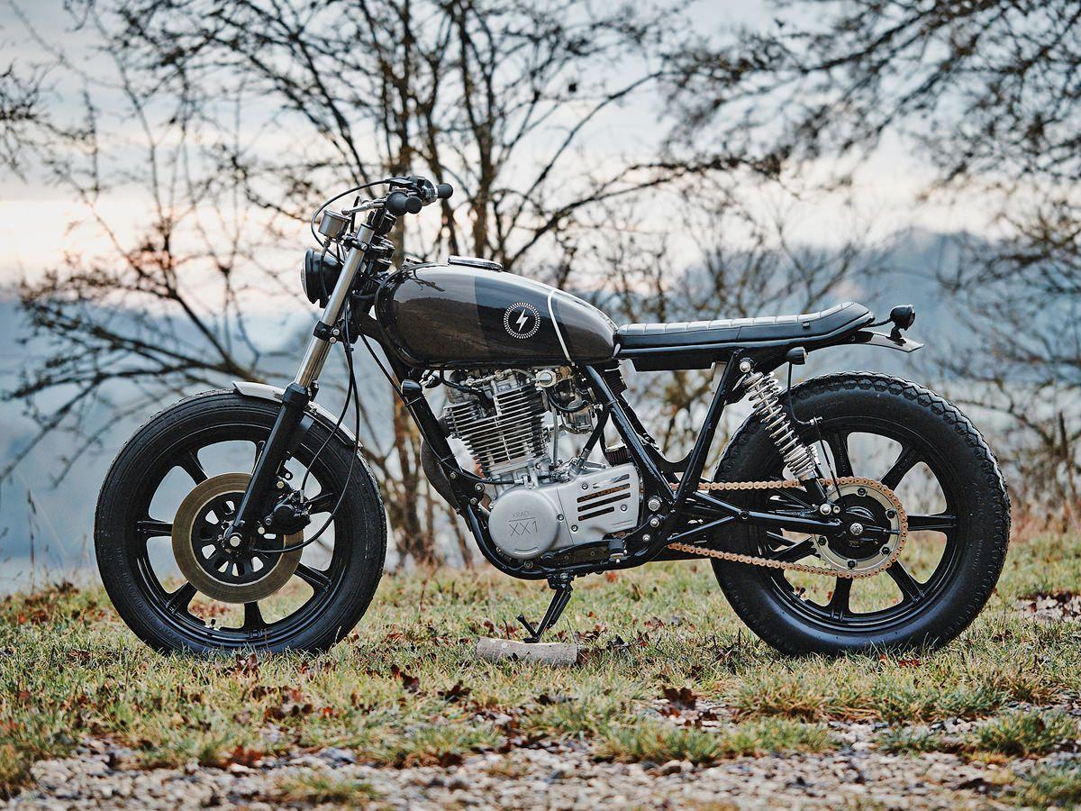 scramblers motorcycles 39 sr500 scrambler motorcycle scrambler and cafes. Black Bedroom Furniture Sets. Home Design Ideas