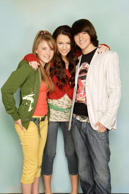 When do lilly and oliver start dating in hannah montana