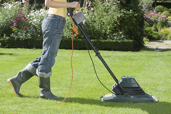 Top 10 Calorie Burning Household Chores   Household chores ...