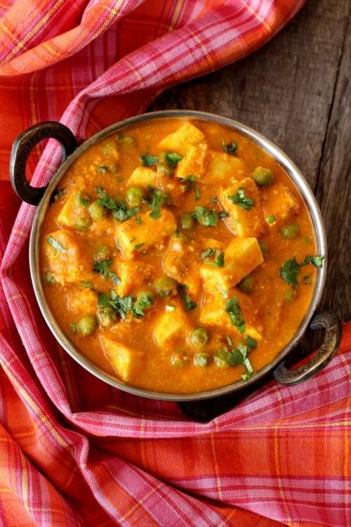 recipe: aloo matar paneer (simmered potatoes with peas and paneer) [5]