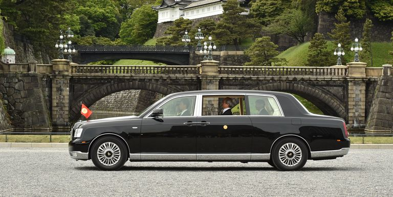 Japan S New Emperor Is Getting A One Off Toyota Century Convertible Toyota Century Toyota Tokyo Auto Show