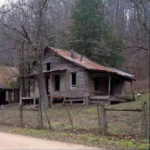 Abandoned Houses, Abandoned Places