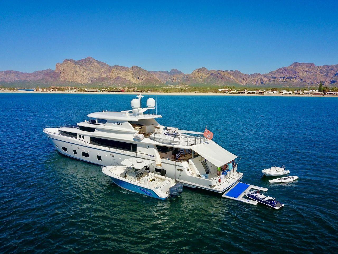 Johnson 110 Boats luxury, Boat rental, Boat