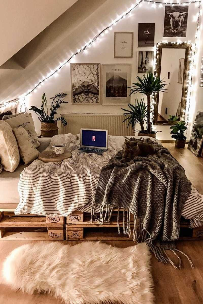 10 Things To Love About Winter Tulip And Sage In 2020 Room Ideas Bedroom Room Inspiration Bedroom Cozy Room Decor