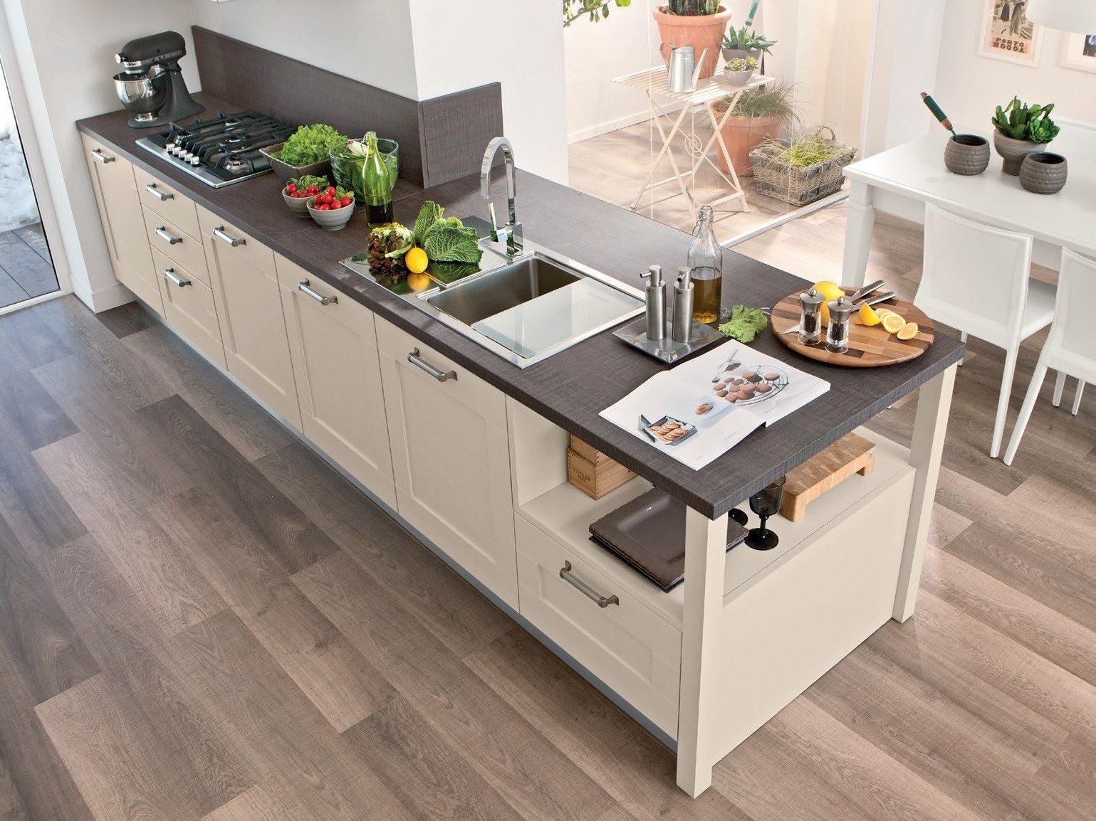LACQUERED WOODEN KITCHEN GALLERY COLLECTION BY CUCINE LUBE ...