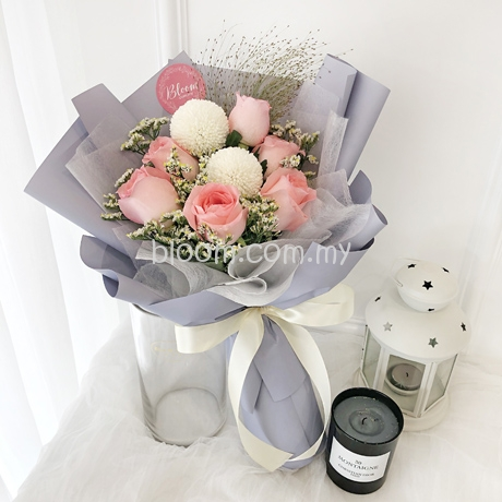 Valentines Rose Hand Bouquet Red Colour, Delivery Kuala