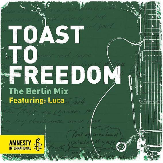 """Menschenrechtsorganisation: Amnesty International-Hymne in zwei neuen Versionen    (djd). """"Toast To Freedom"""" heißt der Song, der im Mai 2012 zur Feier des 50-jährigen Jubiläums der Menschenrechtsorganisation Amnesty International erschienen ist. Die Hymne wurde von Carl Carlton und Larry Campbell zum 50-jährigen Jubiläum der Menschenrechtsorganisation geschrieben."""
