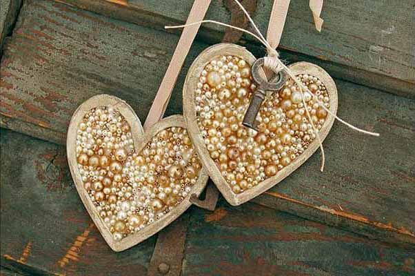 Valentines Day handmade decorating ideas home hearts pearls key