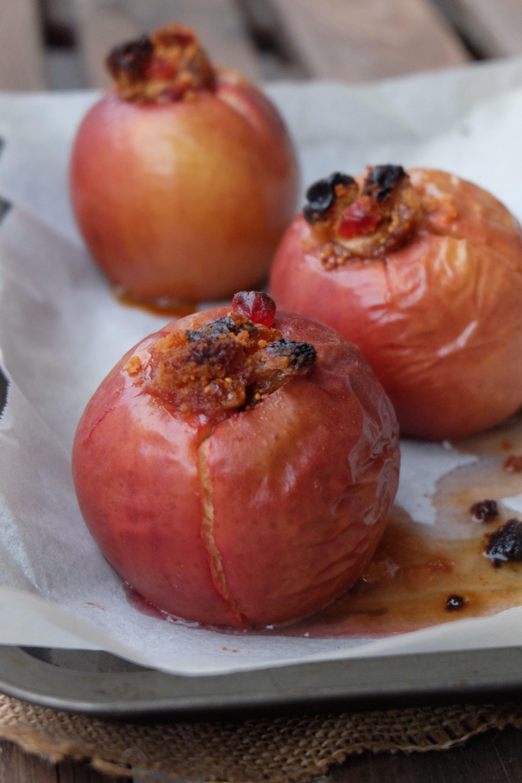 Pommes au four farcies aux fruits secs