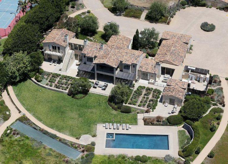 Lady Gaga S Mediterranean Inspired Malibu Beachfront Estate Idesignarch Interior Design Architecture Interior Decorating Emagazine Celebrity Houses Malibu Mansion Malibu Homes