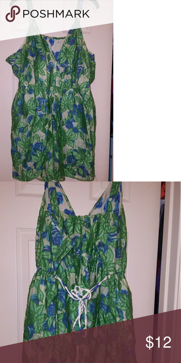 b8bdeac99f Reversible Lane Bryant draw string floral top Blue and green reversible floral  top from LB.