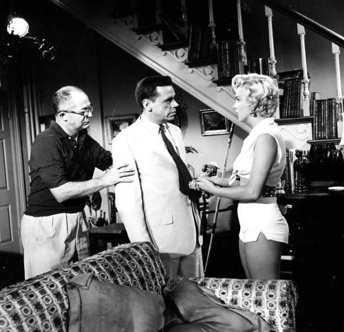 Pin By Jason Nessen On Marilyn Monroe Marilyn Monroe Marilyn Old Hollywood Movies