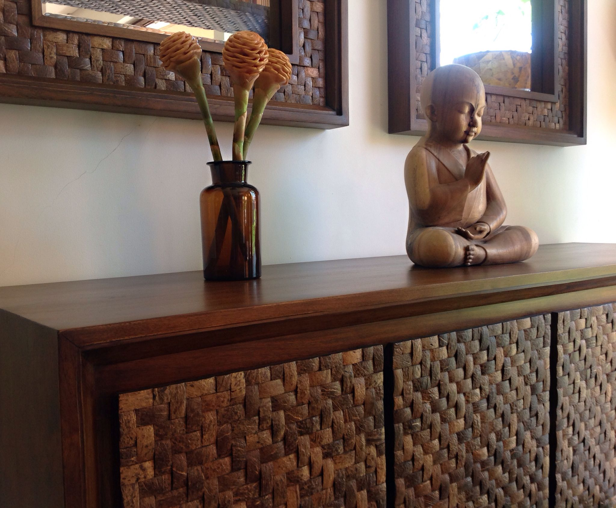Luxury coconut shell furniture by Dsign: 100% eco, stunning look, stylish, beautiful texture.