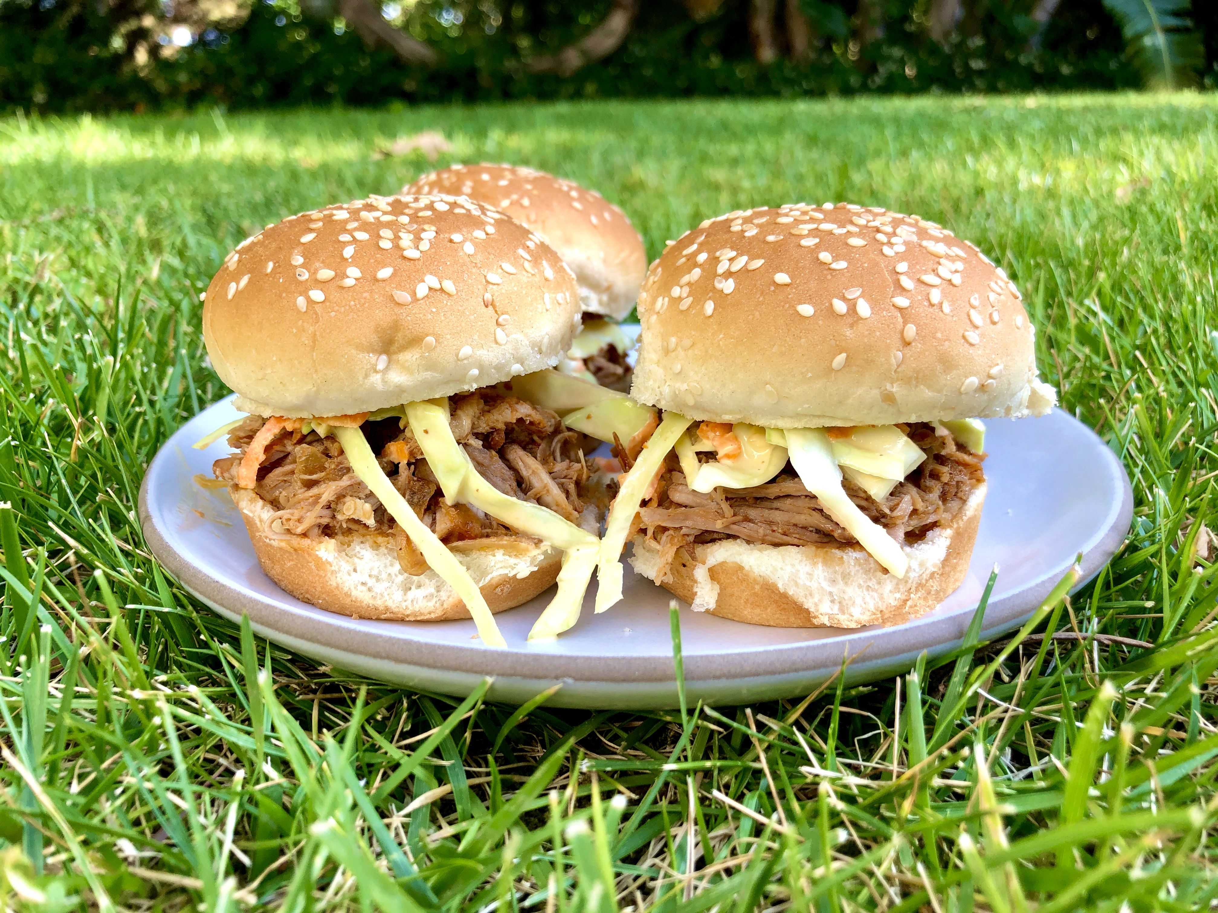 Slow-Cooker BBQ Pulled Pork Sliders with Slaw in 2020 ...