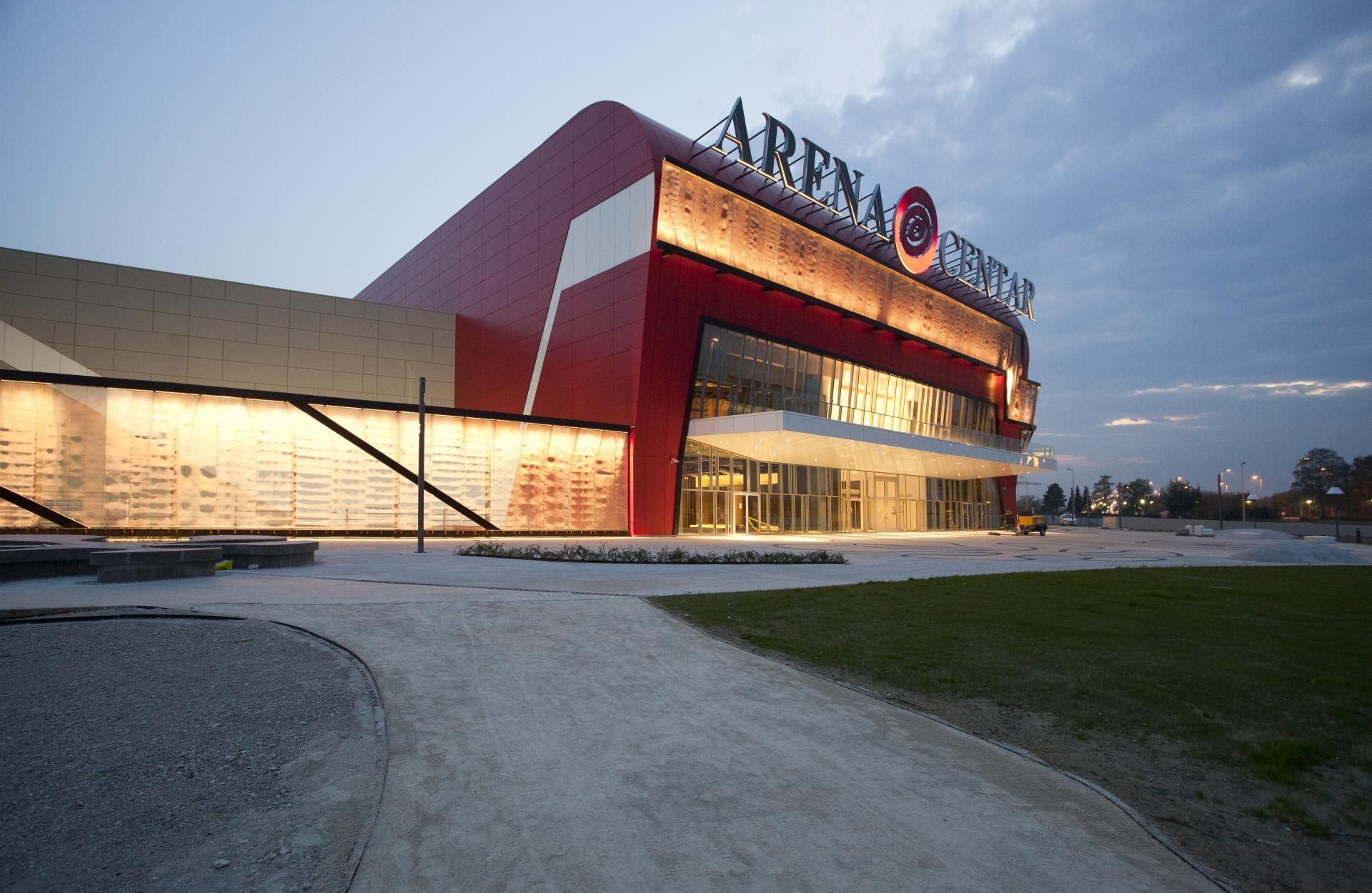 Upi 2m Project Arena Centar Image 19 Shop Facade House Styles Commercial Center