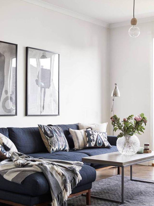 Histoire De Bleu Planete Deco A Homes World Blue Couch Living