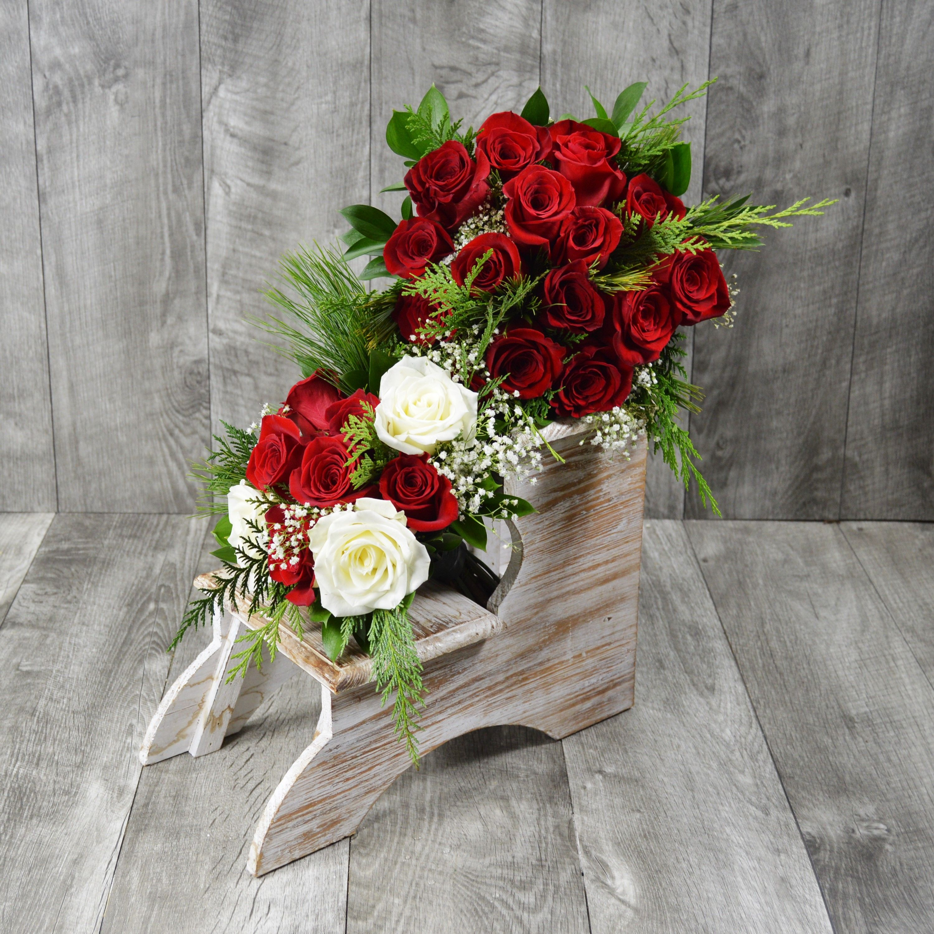 Winter weddings mean red and white roses paired