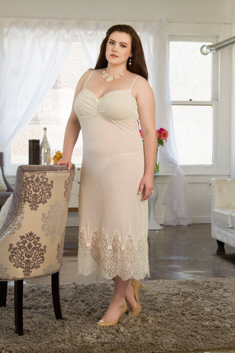 08e92fa1fe3 Vintage Gown Ivory