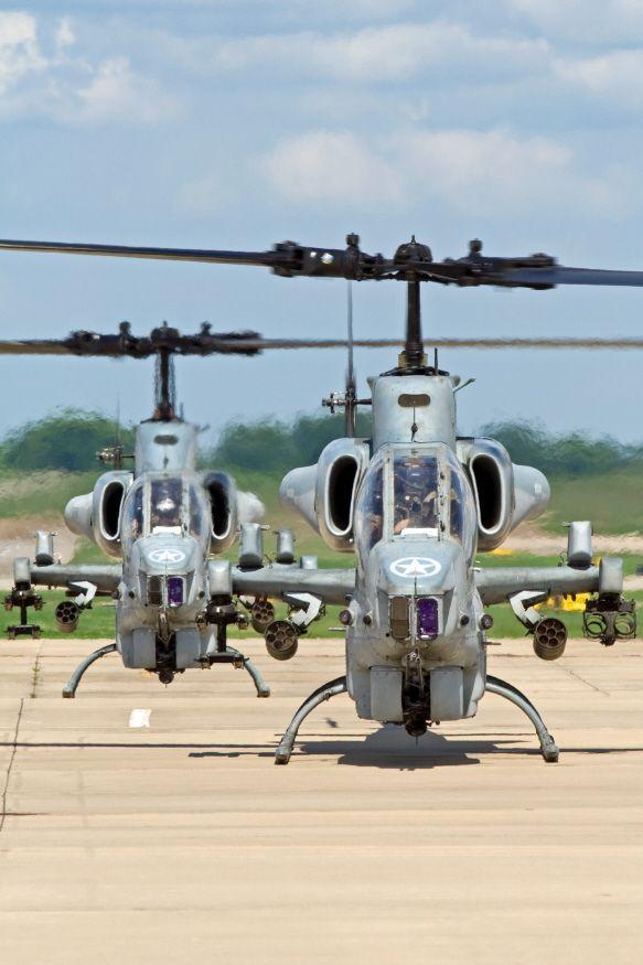 AH-1 Super Cobra HMLA-269 Gunrunners