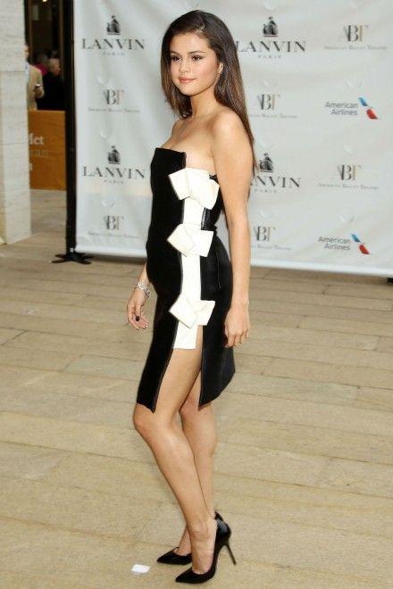 Selena Gomez Grown Up Look: Wears Black And White Lanvin Dress ...