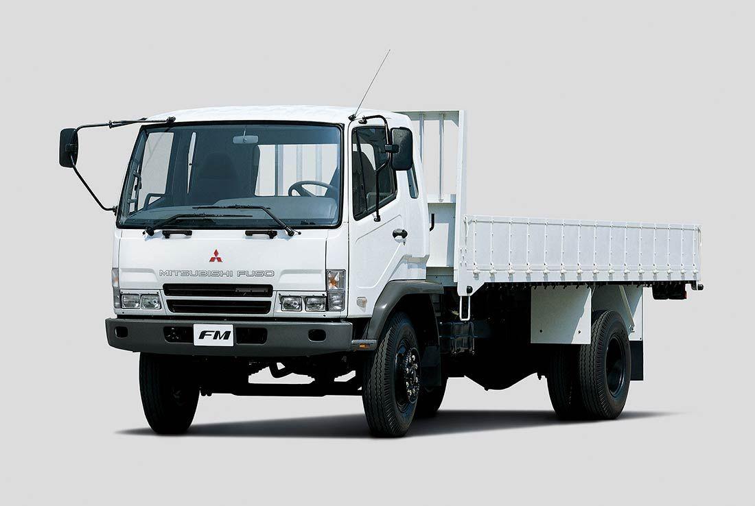 Camiones FUSO | FUSO FM |  Equilibrio perfecto entre placer de conducir y trabajar al contar con una cabina amplia y por su gran capacidad de carga sin dejar de lado la rentabilidad en cada operación.