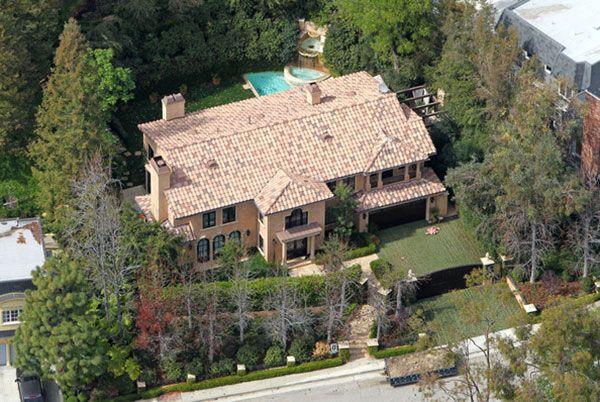 Kim Kardashian Home Kim Kardashian S House In Beverly Hills Sold