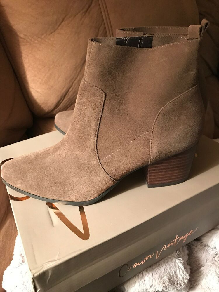 Crown Vintage Saleen ankle boots. Size