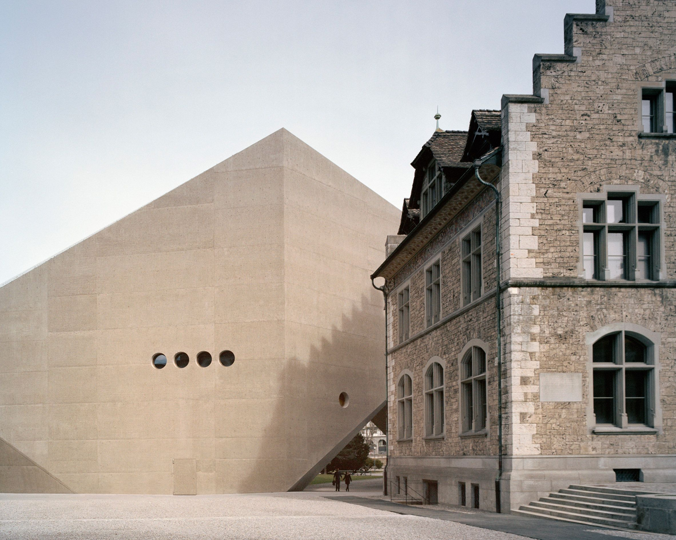 Rory Gardiner Photographs Christ Gantenbein S Museum Extension Arquitectura Concreto En Busca De La Felicidad