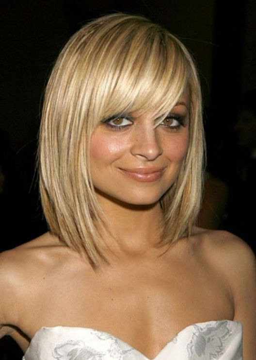 Pretty Textured Blonde Bob Haircut with Full Fringe - Nicole Richie  Hairstyle - Pretty Textured Blonde Bob Haircut With Full Fringe - Nicole