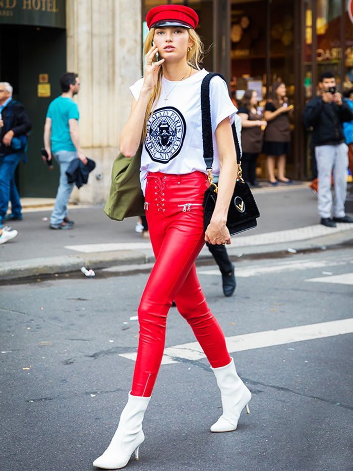 Why you should be wearing a red bra under a white t-shirt