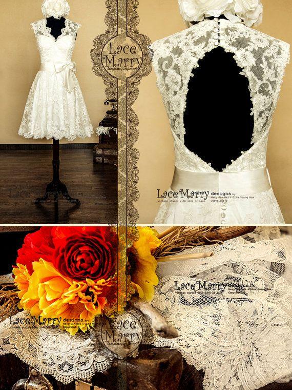 Knee Length Lace Wedding Dress Features V-Cut par LaceMarry sur Etsy