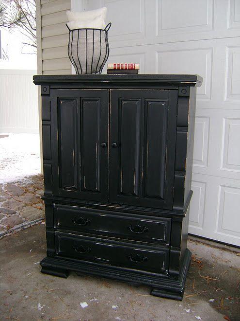 Distressed Vintage Bedroom Inspiration: Black Distressed Furniture