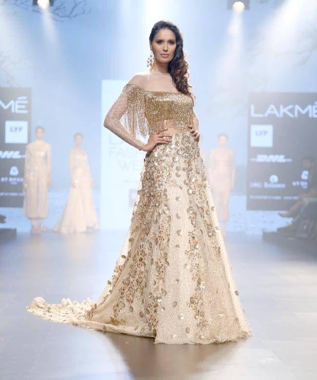 3b7a2659df94e Model posing on the ramp for designer Shriya Som at  LFW2016 show.  Fashion   Style  Beauty  Hot  Sexy