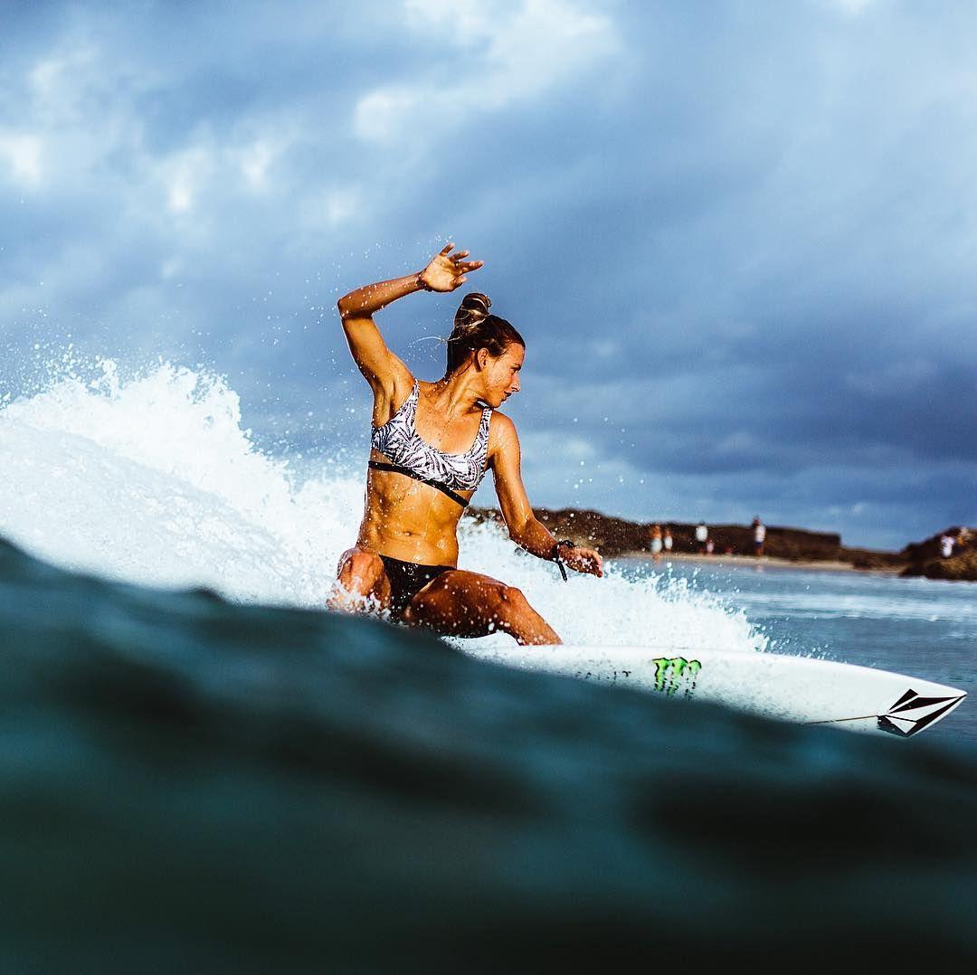 surfgirl @walulife