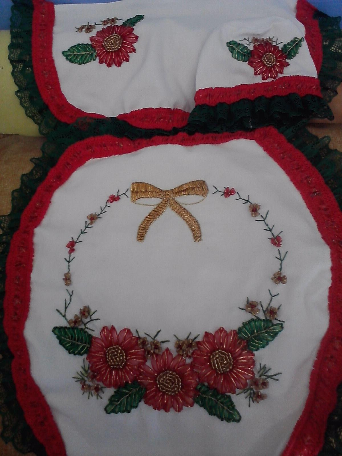 Juegos de baño navideños de liston - Imagui | Flores de liston ...