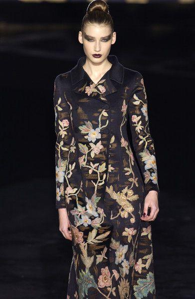 Valentino - Haute Couture - Fall / Winter 2002