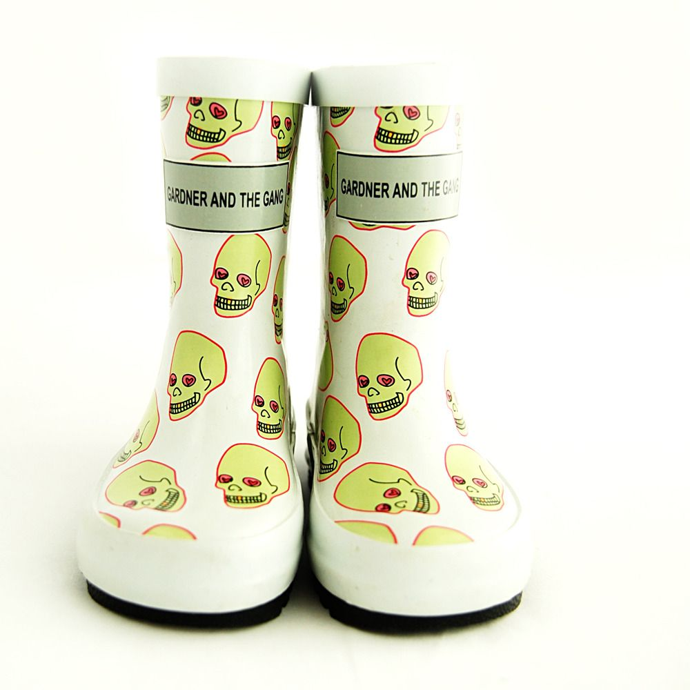 Perfect for the Fall!! Loveskull Rubber Boots #toddlerstyle @Gardnergang